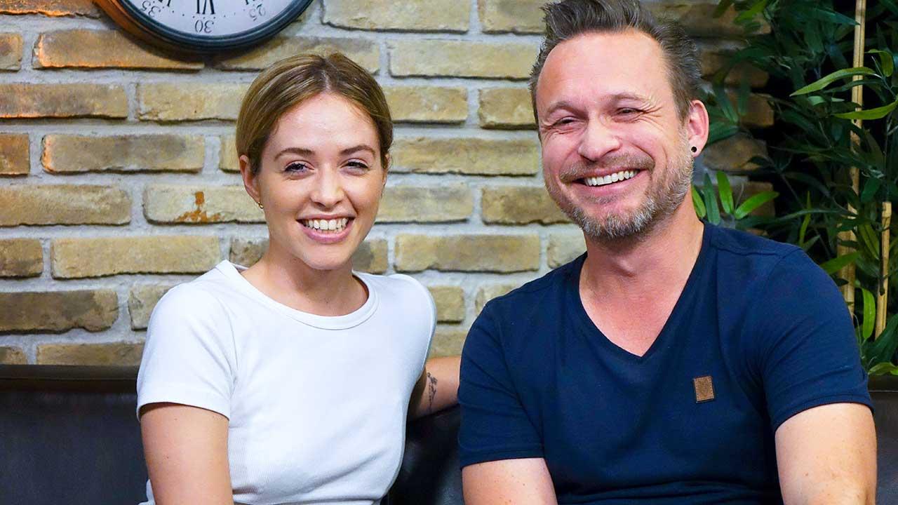 Gast Gloria Amelia und Musikchef Simon Müller