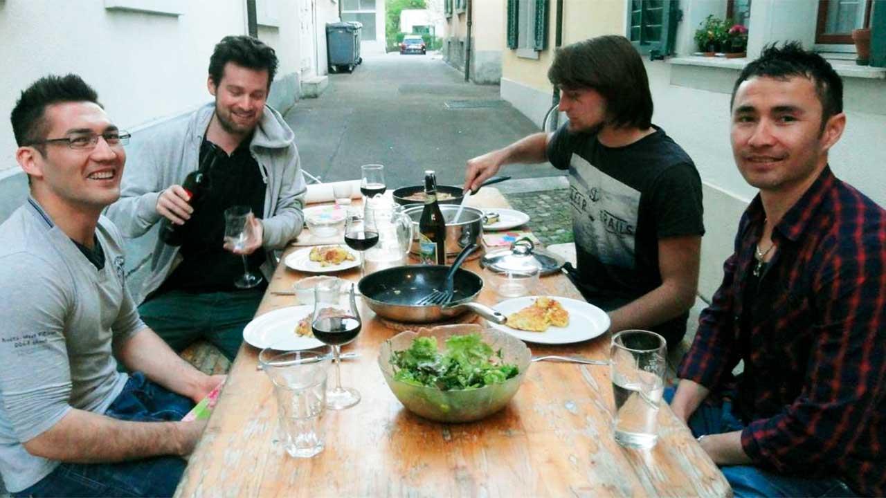 Abendessen zu viert   (c) Gemeinsam Znacht