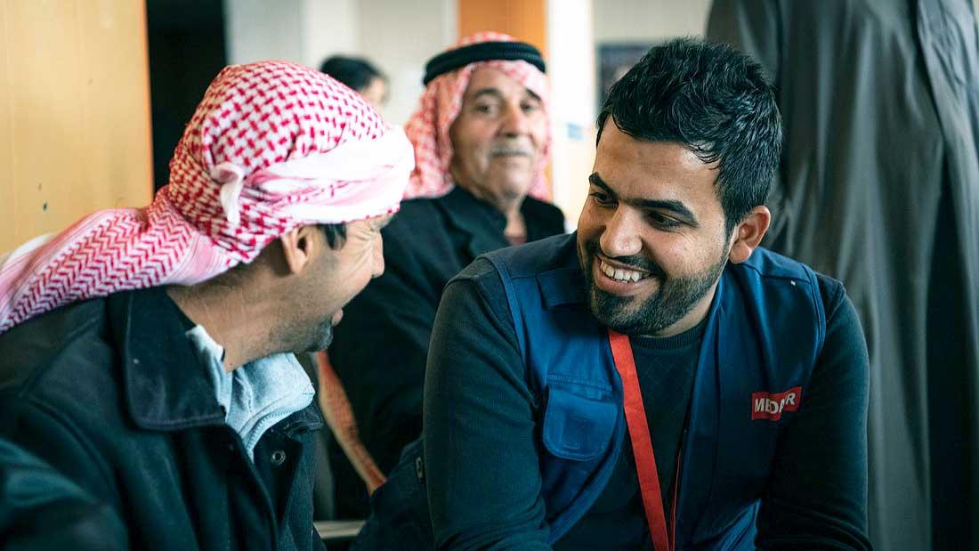 Medair-Mitarbeiter im Nahen Osten im Gespräch