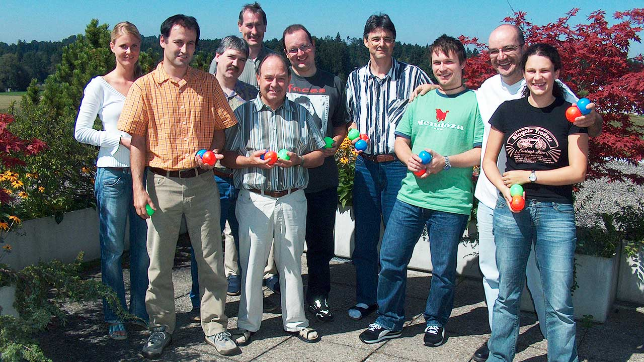 Team von Radio Life Channel im August 2005