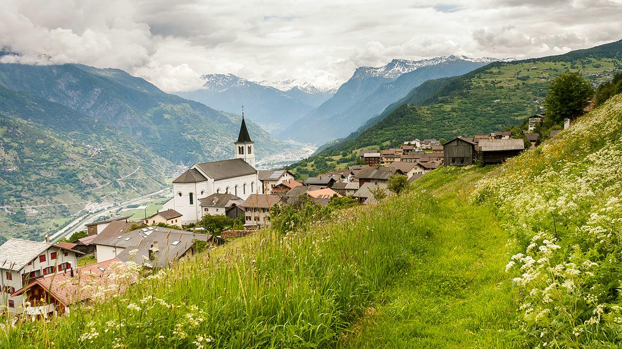 Dorf Eischoll im Wallis