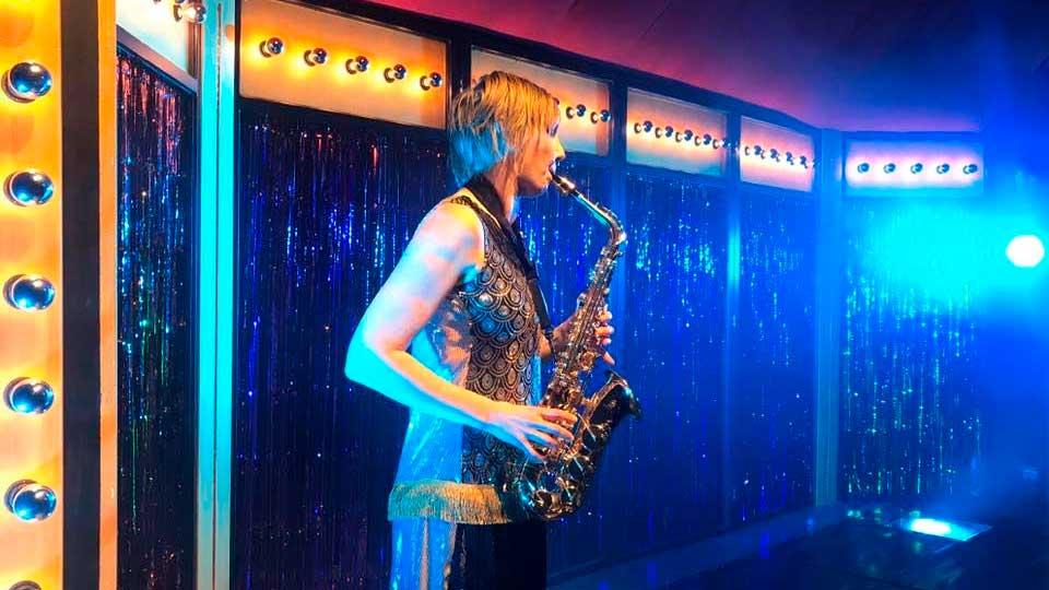 Saxophon-Spielerin | (c) Zirkus Mugg
