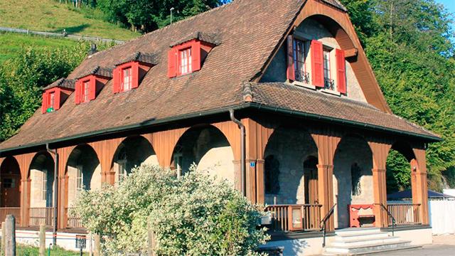 Kapello-Gebäude
